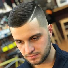 Hipster Haircut For Men Hipster Haircuts For Men, Hipster Hairstyles, Cool Hairstyles For Men, Cool Haircuts, Hairstyles Haircuts, Men Hairstyle Short, Short Cropped Hair, Short Hair Cuts, Short Hair Styles