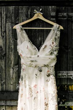 Floral wedding dress - Bride In Floral Dress By Stephanie Allin Festival Wedding With Food Trucks & Outdoor Ceremony With Geo Dome Tent Baya Hire Epic Love Story Photography – Floral wedding dress Outdoor Wedding Dress, Boho Wedding Dress, Dream Wedding Dresses, Wedding Gowns, Outdoor Weddings, Embroidered Wedding Dresses, Colored Wedding Dress, Wedding Dresses With Flowers, Wedding Ceremony
