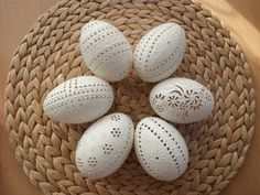 klikni pro další 112/142 Egg Shell Art, Carved Eggs, Egg Tree, Easter Traditions, Faberge Eggs, Chicken Eggs, Egg Decorating, Egg Hunt, Egg Shells