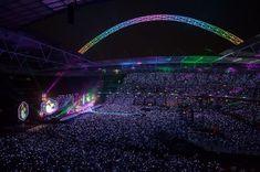 Amazing photo from last night's first show (credit: Wembley Stadium). Coldplay Tour, Coldplay Concert, Music Mic, Big Music, Chris Martin, Accor Hotel, Anime Ninja, Dream Music, Wembley Stadium
