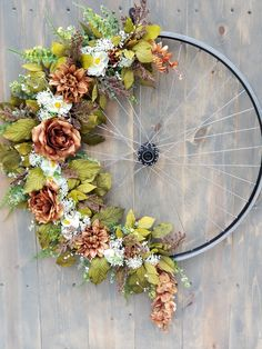 Maintaining Your Bicycle Chain Bicycle Rims, Bicycle Wheel, Diy Wreath, Wreaths, Bike Craft, Diy Hanging, Diy Home Crafts, Faux Flowers, Fall Decor