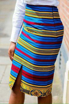 African Clothing African pencil skirt African Print by Laviye Afrikanische Kleidung Afrikanischer Bleistiftrock Afrikanischer Druck von Laviye African Pencil Skirt, African Print Skirt, African Print Dresses, African Fashion Dresses, African Fabric, African Dress, Fashion Outfits, African Prints, Ghanaian Fashion