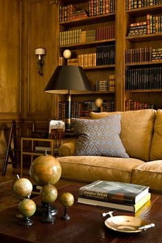 40 Inspiring Vintage Home Library Ideas To Maximize Your Living Room - Home Bestiest Study Design, Home Libraries, Traditional House, Interiores Design, Decoration, Living Spaces, Living Rooms, Family Room, Sweet Home