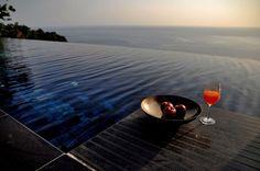 Paresa luxury resort is located on the Kamala Cliffs, west of Phuket. Detox Retreat, Pool Sand, Phuket Resorts, Natural Detox, Wellness Spa, Phuket Thailand, Relax, In Ground Pools, Pool Landscaping