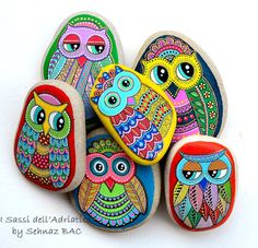 Hand Painted Pebble Owl / Beach Stone with hand-painted designs in acrylics © Sehnaz Bac 2017  I paint and draw all of my original designs by hand with the small brushes or paint pens with extra fine tip. I use also different inks. No stencils are used. All designs are created with my imagination.  These pebbles were found on the beaches of Adriatic Sea. Each was chosen for its shape, smoothness and uniformity. They are protected with 2 or 3 layers of high quality glossy acrylic varnish ...