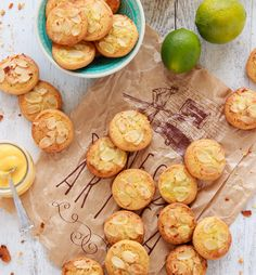 Galletas de almendra, lima y limón Snack Recipes, Snacks, Canapes, Muffin, Chips, Cookies, Breakfast, Food, Party