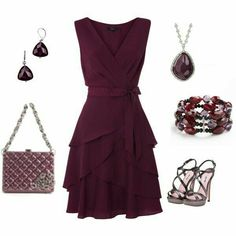 Plum dress and accessories Pretty Outfits, Pretty Dresses, Beautiful Dresses, Gorgeous Dress, Frack, Moda Vintage, Komplette Outfits, Mode Inspiration, Mode Style