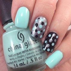 blue dot nails