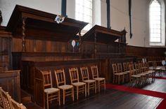 De herenbanken in de Sint Joris Tsjerke Oosterbierum