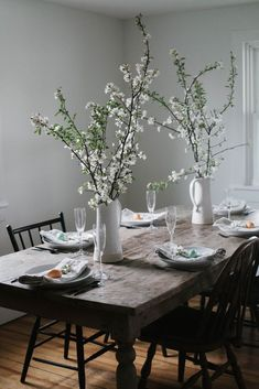 Trendy Ideas For Rustic Brunch Table Centerpieces Easter Table Settings, Easter Table Decorations, Decoration Table, Table Centerpieces, Brunch Table Setting, Easter Centerpiece, Easter Decor, Ideas Para Organizar, Decoration Inspiration