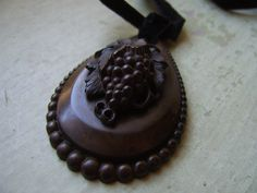 A striking Victorian Vulcanite/Pressed Horn/Gutta Percha pendant - bunch of grapes - mourning jewellery Gutta Percha, Mourning Jewelry, Call Art, Velvet Ribbon, Black Velvet, Horns, Antique Jewelry, Things To Come, Jewelry Making
