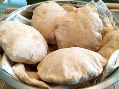Fitt fazék kultúrblog : 2 összetevős, szénhidrátcsökkentett pita!! Hamburger, Paleo, Food And Drink, Bread, Diabetes, Hamburgers, Burgers, Breads, Sandwich Loaf