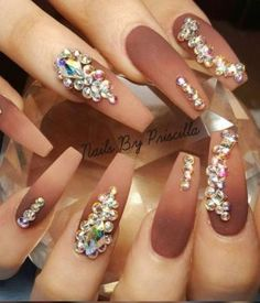 Head over Heels - 30 Beautiful Diamond Nail Art Designs Glam Nails, Dope Nails, Fancy Nails, Bling Nails, Stiletto Nails, Beauty Nails, Coffin Nails, Bling Wedding Nails, Wedding Manicure