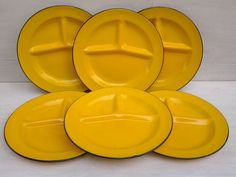 Vintage enamelware plates - 6 plates - yellow divided plates - camping dishes - graniteware - yellow enamelware dishes - yellow kitchen
