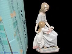 LLADRO 5457 BEDTIME STORY 1988 PORCELAIN FIGURINE Mom and Daughter Reading Book