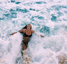 beach home decor homedecor home decor Summer Vibes :: Beach :: Friends :: Adventure :: Sun :: Salty Fun :: Blue Water :: Paradise :: Bikinis :: Boho Style :: Fashion + Outfits :: Discover more Summer Photography + Summertime Inspiration gentlefoxbod The Beach, Beach Bum, Summer Beach, Ocean Beach, Ocean Girl, Laguna Beach, Hawaii Ocean, Girl Beach, Summer Sunset