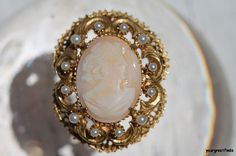 Vintage Signed Florenza Goldtone Carved Shell Cameo & Faux Pearl Brooch Pendant