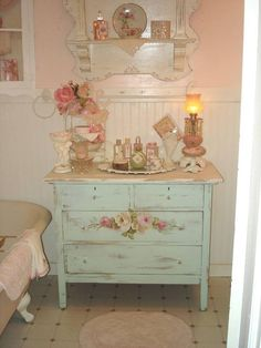 Dresser ~ Miss Lily Bliss
