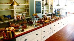 love this counter with all the yummy eats!