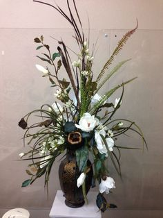 Put in my old cowboy boot on mantle Contemporary Flower Arrangements, Artificial Floral Arrangements, Silk Arrangements, Dried Flower Arrangements, Floral Centerpieces, Simple Flowers, Dried Flowers, Flower Decorations, Flower Designs