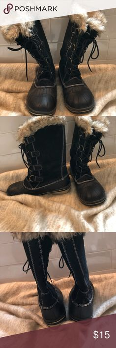 Target Snow Boots Size 10 Great for Winter or a Ski Trip! Only worn twice! Retail: $50 Target Shoes Ankle Boots & Booties