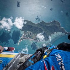 This is why we skydive... Photo by the amazing @kianbullock1