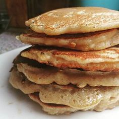 This is a very easy recipe to make pancakes, the original recipe is from Jamie Oliver but I have been adapting it to our needs and especially to the ingredients that I had at home. Baby Food Recipes, Sweet Recipes, Cooking Recipes, Bolo Fit, Crepes And Waffles, Good Food, Yummy Food, Breakfast For Dinner, Sweet Desserts
