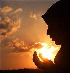 10 Influential Women : Here is the list of 10 Influential Women who played an important roles in the history of islam. Islamic Dream Interpretation, Islam Women, Islamic Girl, Islamic Prayer, Islamic Dua, Les Religions, Muslim Girls, Muslim Couples, Islamic Pictures