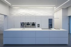 Gallery of Layers of White / Pitsou Kedem Architects - 12