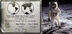 """Historical plaque on the Apollo 11 lunar module """"Eagle"""" (Photo: NASA)"""