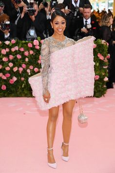 Liza Koshy Photos - Liza Koshy attends The 2019 Met Gala Celebrating Camp: Notes on Fashion at Metropolitan Museum of Art on May 2019 in New York City. - The 2019 Met Gala Celebrating Camp: Notes On Fashion - Arrivals Crazy Dresses, Gala Dresses, Nice Dresses, Elegant Dresses, Balmain, Met Gala Outfits, Lisa, Met Gala Red Carpet, Art Costume