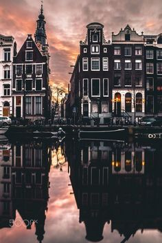Called by many as Holland, the city of Amsterdam is the most gone to center in the Netherlands. Current stats have actually revealed that more than million travelers are coming to go to Amsterdam each year. Amsterdam City, Amsterdam Travel, Amsterdam Photography, Travel Photography, Places To Travel, Places To See, Destination Voyage, Foto Art, Travel Aesthetic
