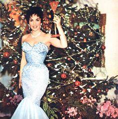 Gina Lollobrigida celebrates Christmas in 1957
