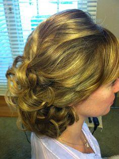 Simple and elegant bridal hairstyle