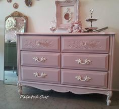 Antoinette painted by stockist Grace McLeod in her shop Painted Out in Saint George, Ontario, Canada
