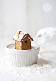Gingerbread cookie recipe. Edible snow globe