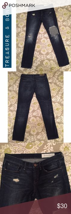 Treasure & Bond Jeans Size 26 | Boyfriend Fit | natural distressing | in excellent preowned condition | no fading | purchased at Nordstrom Treasure & Bond Jeans Boyfriend