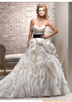 Robe de mariée romantique 2013 ceinture noire organza