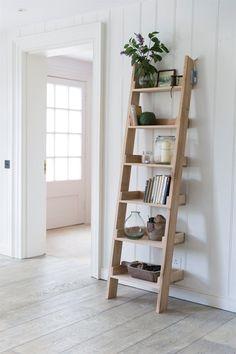 Outdoor Ladder Shelves: Repurposed ladder shelf diy. Shabby chic ...