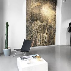 Anine Bing's store in Barcelona. An open space art gallery concept.  #garatehausmann #aninebing #store #barcelona #igersbcn #interiordesign #design #art #gallery #openspace #fashion #clothes #shopping #light #minimal #marble #gold #architecture #industrial #white #black #like #follow #wednesday #decor #photooftheday #instadaily #igmasters