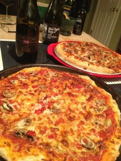 What could be better? Pizza & Great wine #SundaySupper @paccoastwine @Wine Everyday | Eileen Gross