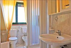 a bathroom  BAGNO etna 304