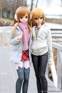 """Winter Photo walk with @hoshiakariK @granemo #smartdoll Attaching the air/tripod stands to camera tripods make shooting smart dolls a real breeze!"""