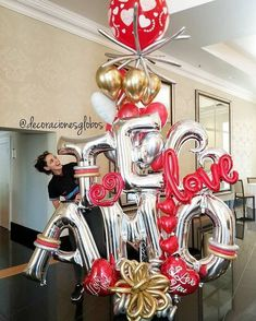 Te amo Es sólo una palabra... Hasta que llega alguien para darle sentido ❤ . . . Diseño exclusivo de @by_nieves creadoras de @decoracionesglobos #balloondecor #balloonparty #balloonart MIAMI (786)779.75.23 CARACAS ☎️(0212) 7503430 (0424)2697110 . . . #balloon #balloons #talentovenezolano #diseñovenezolano #hechoenvenezuela #arreglodeglobos #globos #decoracionesconglobos #balloondecoration #balloonsdecorations #surprise #Miami #Caracas DecoracionesGlobos es Alegría Aprende-Decora R...