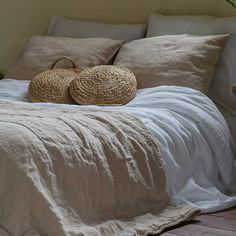 Linen Duvet, Living Styles, Beautiful Bedrooms, Home Fashion, Comforters, Duvet Covers, Interior Design, Pillows, House Styles
