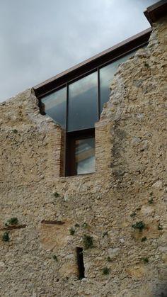 Spazio Consonanti · Progetto di restauro e valorizzazione del casale rurale prossimo al complesso archeologico delle cosiddette Terme di Tito
