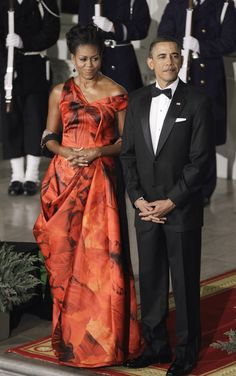 And now, the moment we (all?) have been waiting for: Michelle Obama's latest state dinner dress! In keeping with
