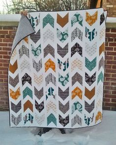 Items similar to Custom made arrow quilt- various sizes and colours- deposit on Etsy Quilting Projects, Quilting Designs, Sewing Projects, Quilting Room, Quilting Ideas, Cute Quilts, Easy Quilts, Boys Quilt Patterns, Chevron Quilt Pattern