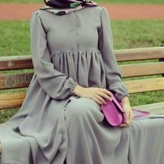[ hijab simple Soo simple soo elegant, i love it! Modern Hijab Fashion, Muslim Women Fashion, Abaya Fashion, Fashion Dresses, Modest Fashion, Moslem Fashion, Mode Abaya, Muslim Dress, Hijab Dress