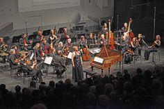 Christine Schornsheim am Tangentenflügel,  im Konzert mit der Akademie für Alte Musik Berlin unter Marcus Creed